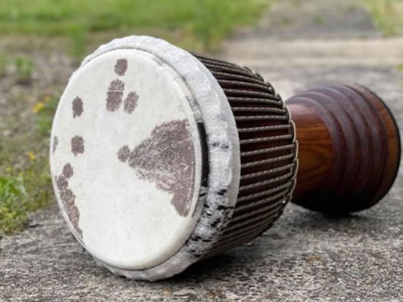 one-djembe-drum