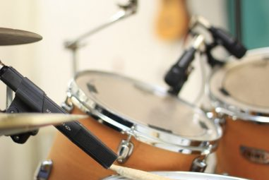 Best Snare Drums to Get in 2020: How to Decide on the Type, Brand, Size, and Material?